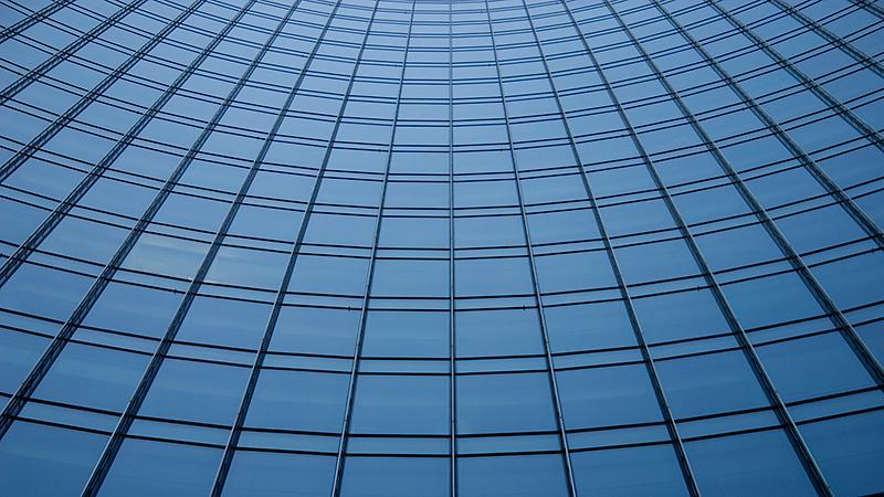 Glasfront von Skyper