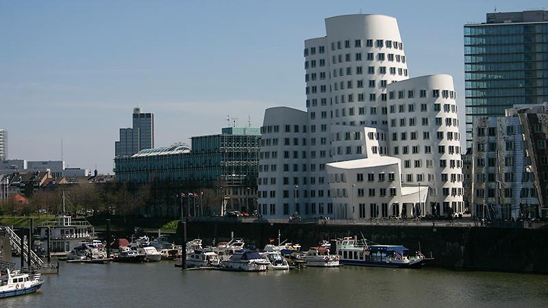 Gehrybauten in Düsseldorf - der Medienhafen