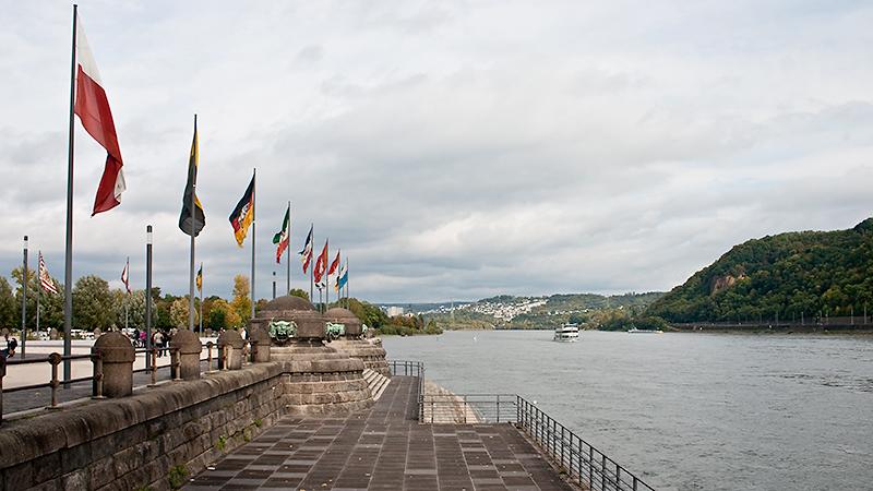 Die Rheinseite am Deutschen Eck