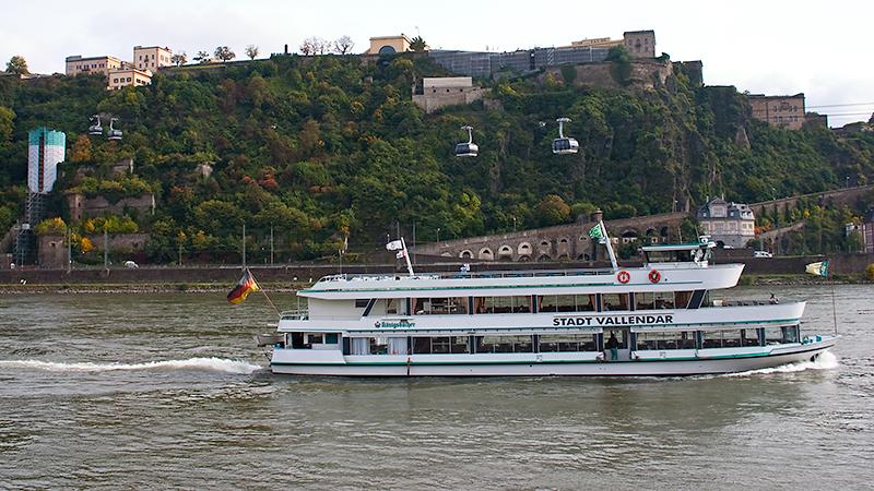 Festung Ehrenbreitstein mit Ausflugsschifffahrt