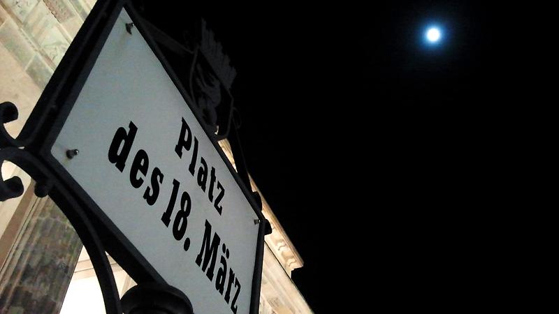 Im Licht des Mondes - das Brandenburger Tor