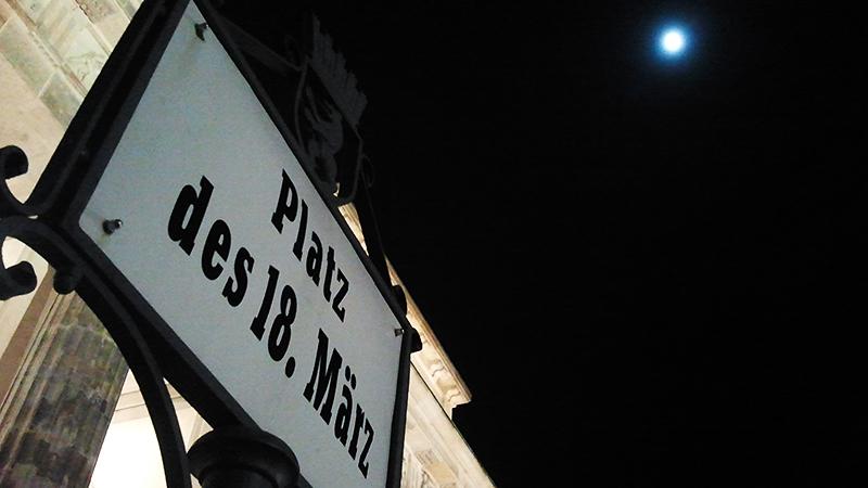 ...begleitet vom Mond
