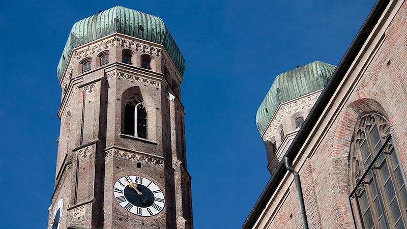 """Bekannt aus der """"Münchner Skyline"""": die Türme der Frauenkirche"""