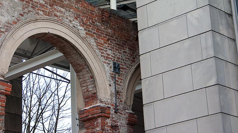 Kompromisslösung: historische Arkaden vs. Neubau Bayerische Staatskanzlei