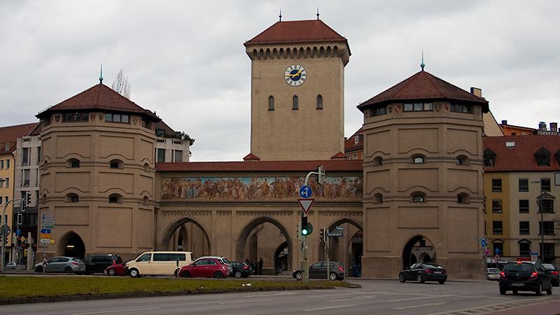 Das östliche der drei Stadttore: Isartor