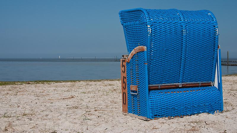 Strandkorb mit Blick Richtung Wangerooge