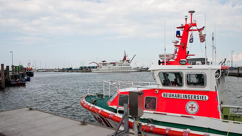 """Heimat im gleichnamigen Hafen: die """"Neuharlingersiel"""" der Deutschen Gesellschaft zur Rettung Schiffbrüchiger"""