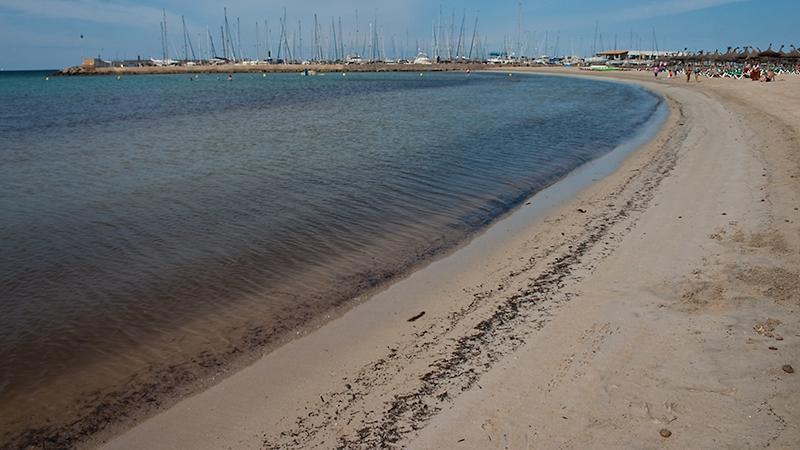 Endlich Mittelmeersand unter meinen Füßen <3