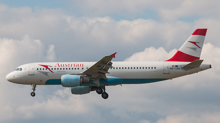 Austrian Airlines Airbus A320-214 OE-LBS