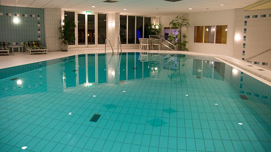 Swimming Pool im Untergeschoss