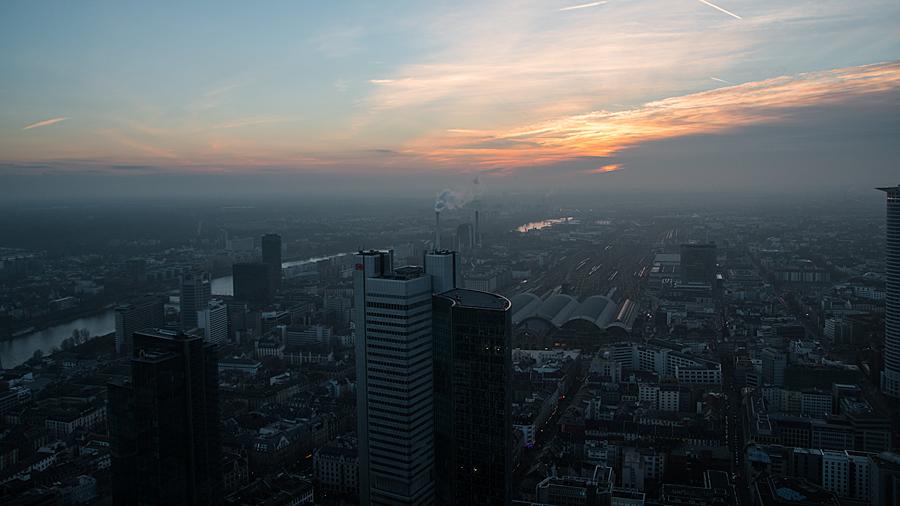 Sonnenuntergang hinterm Hauptbahnhof