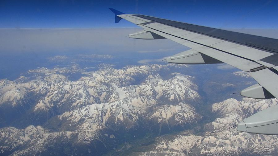 Über den Alpen: Flug DE5529 PMI-PAD