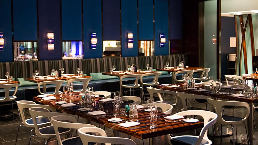 "Blick ins Restaurant ""Coast"""