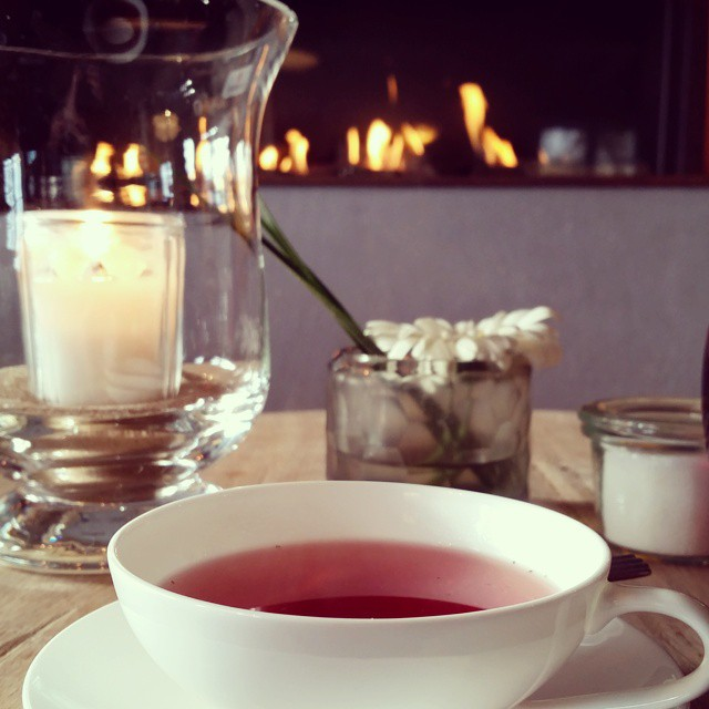 Beerenquartett im Kaminzimmer des Teekontors