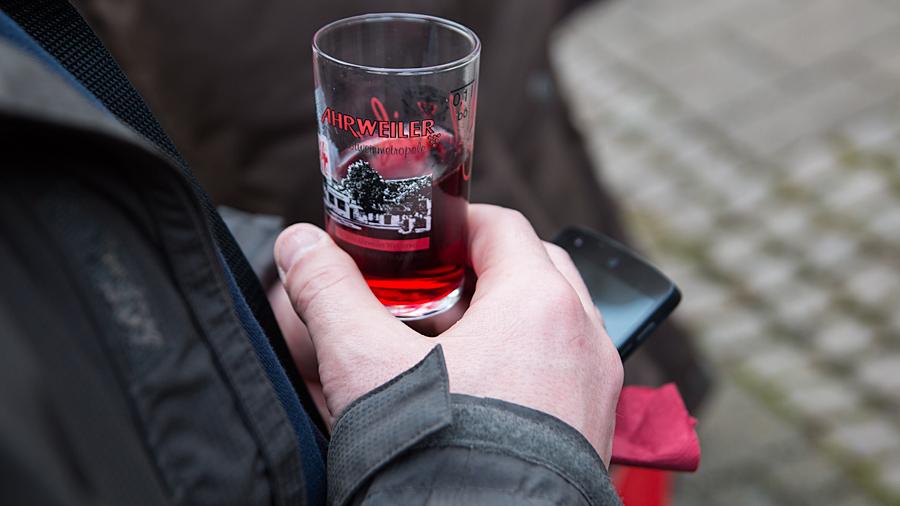 Reiseblogger bei der Weinprobe