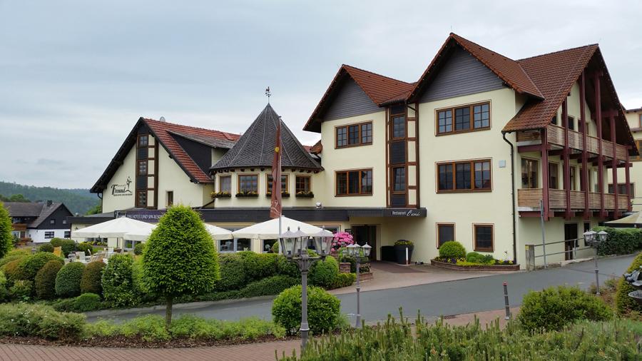 Teilansicht des Hotel Freund in Oberorke