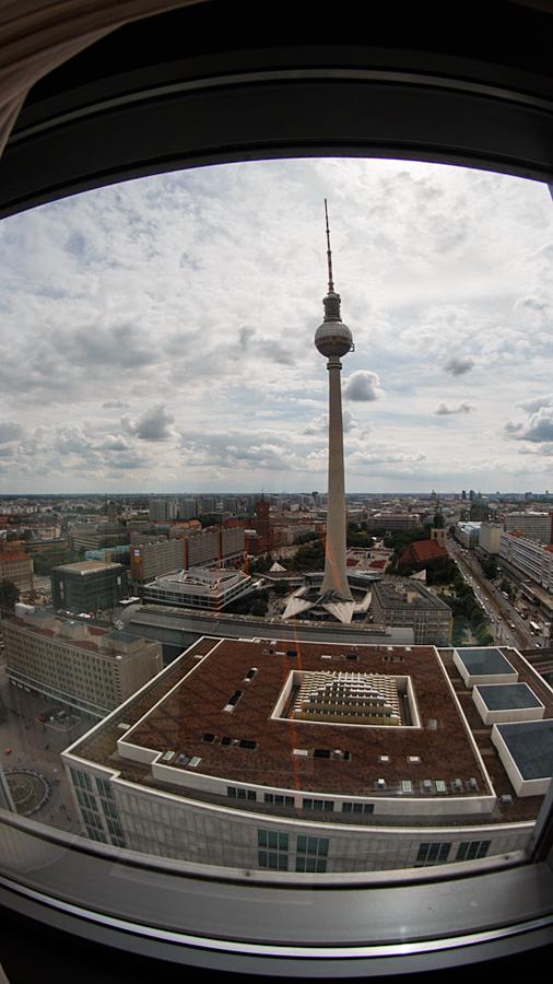 Ausblick auf Alexanderplatz, Fernsehturm und Berliner Dom