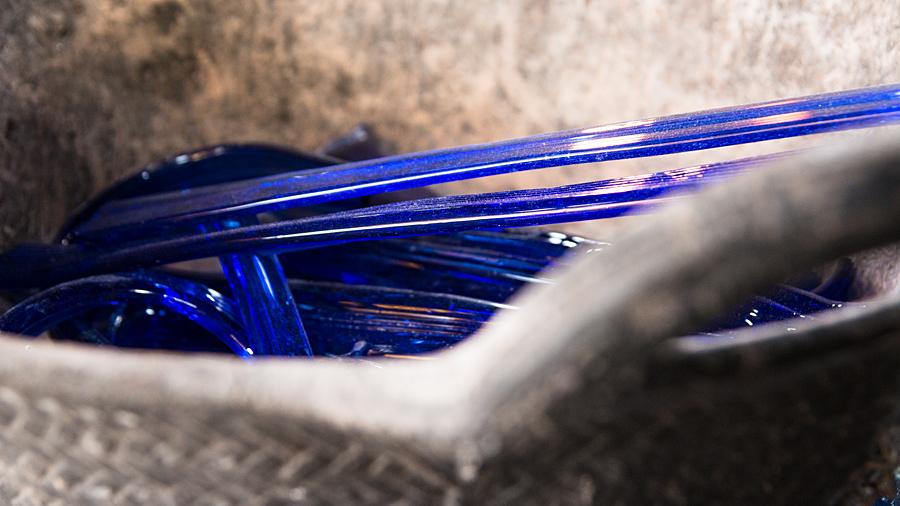 Auch gefärbtes Glas wird bei Gordiola verarbeitet