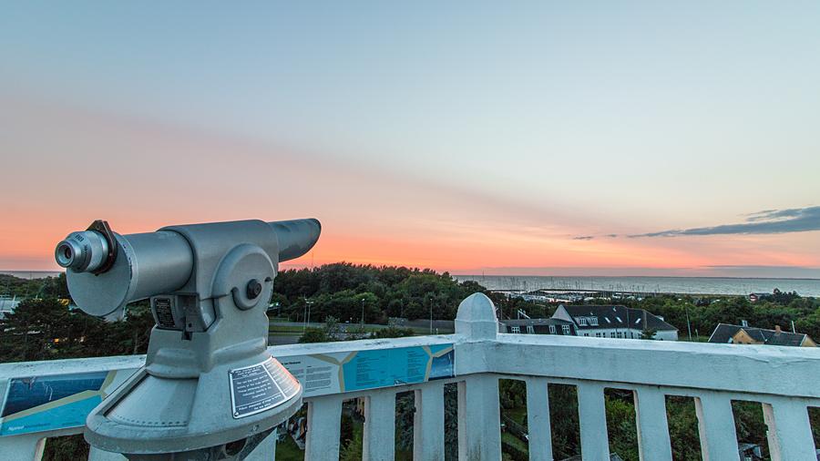 Sonnenuntergang vom Wasserturm mit Blick über Gedser und die Ostsee